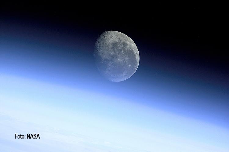 H 235 na mund t 235 kthehet n 235 planet t 235 pavarur